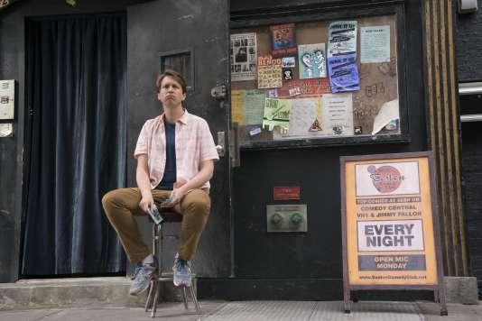 Peter Holmes dans «Crashing».
