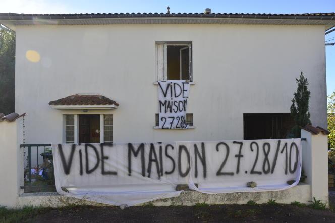 Plus de 8 000 vide-maisons sont organisés chaque année en France.