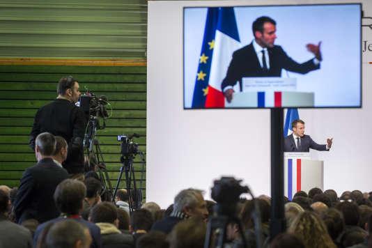 Emmanuel Macron, lors de ses vœux au monde agricole à Saint-Genès-Champanelle (Puy-de-Dôme), le 25 janvier.