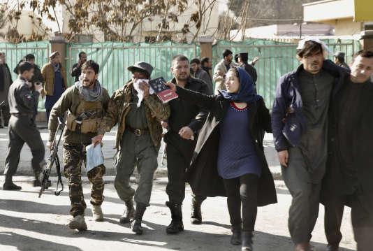 """Résultat de recherche d'images pour """"ambulance piégée» a explosé dans la capitale afghan"""""""
