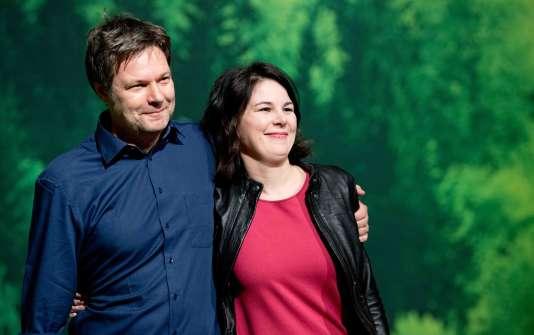 Les Verts allemands ont élu pour la première fois, samedi 27 janvier, deux représentants de l'aile dite « réaliste » à la tête de leur parti : Annalena Baerbock et Robert Habeck.