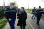 Le général de gendarmerie Richard Lizurey et la préfète Nicole Klein inspectent ensemble la D281 dégagée, à Notre-Dame-des-Landes, le 26 janvier.