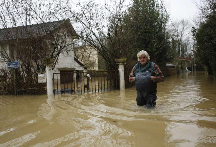 La Fédération française de l'assurance encourage chaque sinistré à contacter sans tarder son assureur afin de pouvoir bénéficier rapidement d'un accompagnement ainsi que d'avances sur indemnisation selon les besoins.