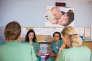Transmission entre les équipes de sages-femmes à l'hôpital Jeanne de Flandre, à Lille. Dans cette maternité qui réalise plus de 5 500 accouchements, le taux d'épisiotomie est de 7 %, contre 20 % en moyenne nationale.