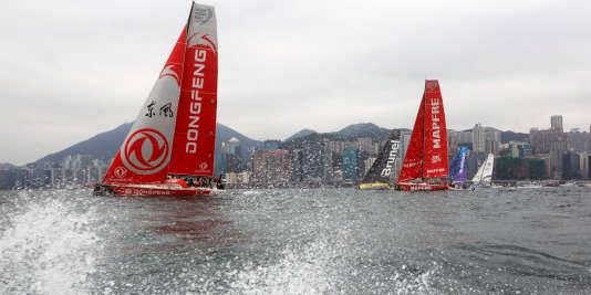 La flotte de la Volvo Ocean Race, avec le bateau «Dongfeng» à gauche, le27janvier dans la baie de Hongkong.