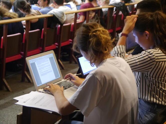 Les filières de l'université sont celles qui ont suscité le plus de vœux sur Admission post bac, en 2015.