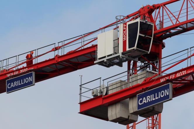 « Le britannique Carillion Plc a pu accroître son dividende juste quelques mois avant sa mise en défaut, alors qu'il laisse un trou de 900 millions de livres (1,021 milliard d'euros) dans le fonds de pension de ses salariés.»