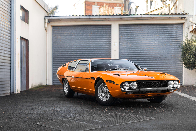 Lamborghini Espada (1969) : on a fait de drôles de voitures dans les années 1960-1970... En témoigne cette Espada, dessinée pour Bertone par Marcello Gandini, résolument kitsch mais absolument épatante. Estimation : 150 000 euros.