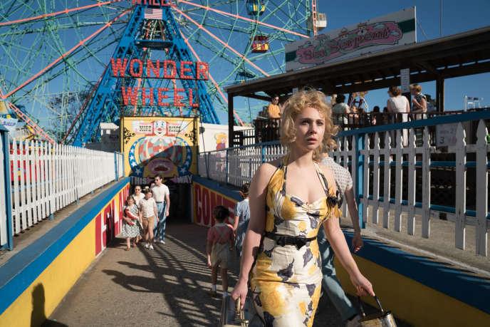 Dans «Wonder Wheel», de Woody Allen, Carolina (Juno Temple) est l'épouse d'un mari mafieux.