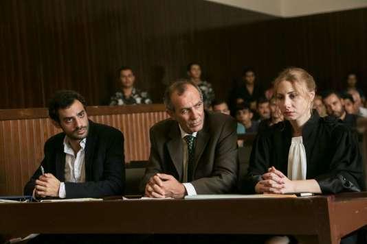 De gauche à droite : Adel Karam, Kamel El-Basha etDiamand Bou Abboud dans«L'Insulte», de Ziad Doueiri.