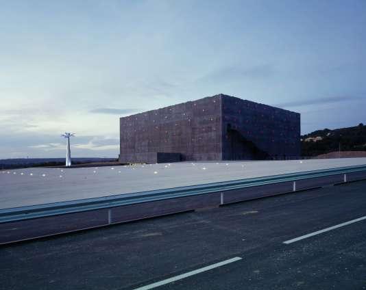 Le Stadium de Vitrolles, dans les Bouches-du-Rhône, en 1994.