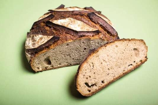 La miche au levaind'Olivier Haustraete, composé d'un mélangede farines de froment, seigle et sarrasin.