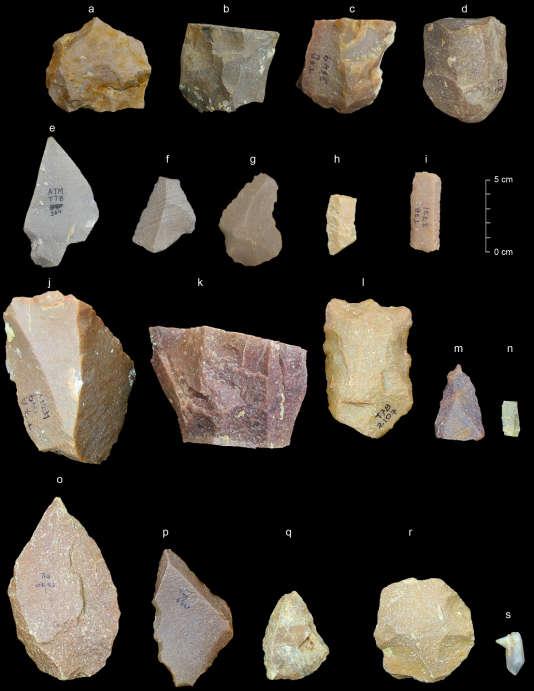 Quelques pierres taillées du Paléolithique moyen du site d'Attirampakkam, en Inde.