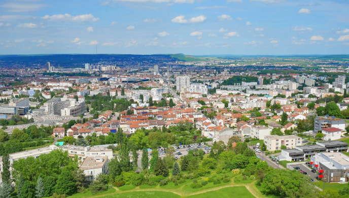 Vue de l'agglomération du Grand Nancy, dont les deux tiers du parc privé de logements ont été construits dans les années1950-1970, avant les premières réglementations thermiques.