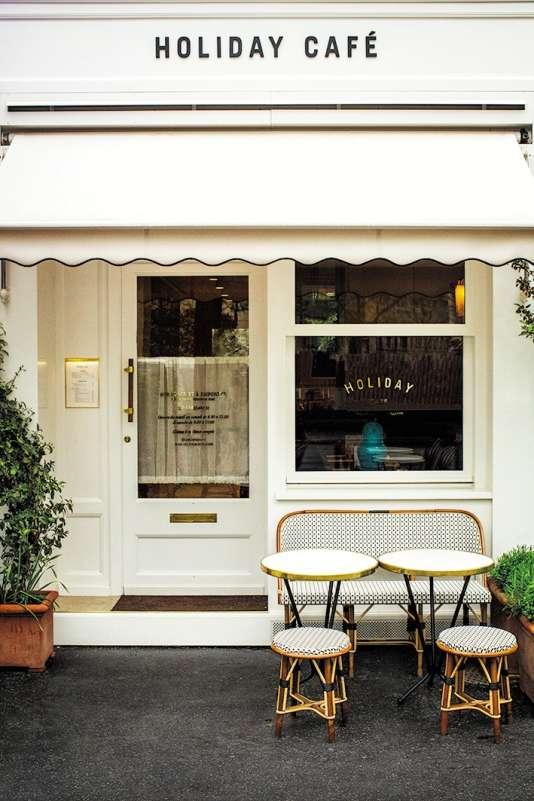 Le Holiday Café a été ouvert à Paris par le directeur artistique Franck Durand.