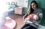 Marjorie, 27 ans, dans la chambre d'accouchement de La Maison, où elle a donné naissance à son fils Manoa, le 3 novembre, à Grenoble.