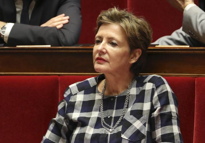La députée La République en marche (LRM), Frédérique Dumas, à l'Assemblée nationale, à Paris, en novembre 2017.