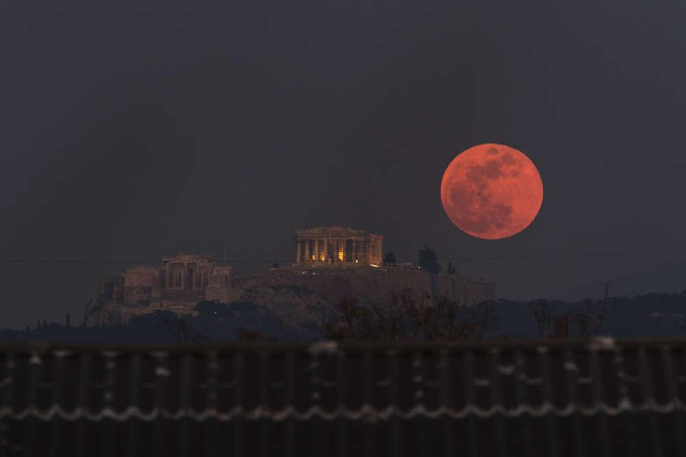 Le temple du Parthénon, sur l'Acropole d'Athènes, en Grèce.