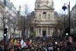 Manifestations devant la Sorbonne, jeudi 1er février, contre la loi réformant l'accès à l'université, en discussion au Sénat jeudi 8 février.