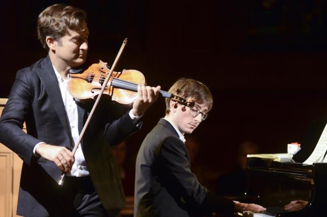 Renaud Capuçon, au violon, et Guillaume Bellom, au piano, à Gstaad , le 30 janvier 2018.