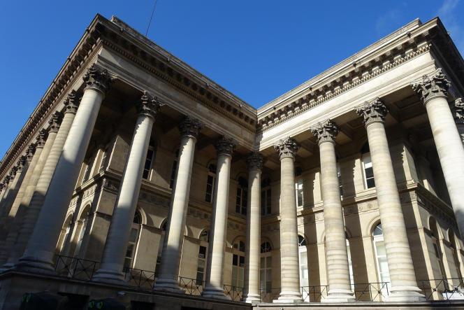 La Bourse de Paris fait de moins en moins peur aux épargnants français.