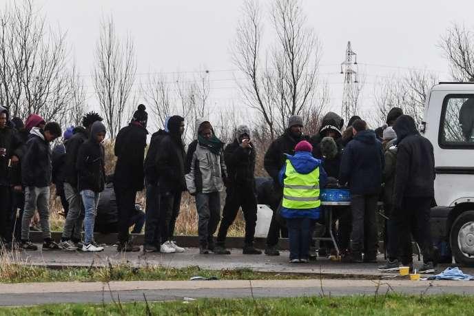 Des migrants àCalais, le 2 février.