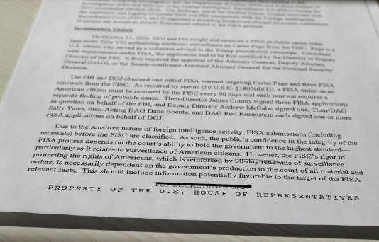 Le tampon barré « TOP SECRET – NO FORN» (« no foreign nationals – pas de ressortissants étrangers») en bas de page de la note publiée par Devin Nunes, vendredi 2 février.