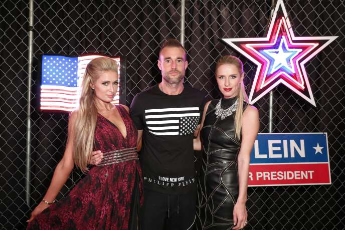5c3ec1a4759db Paris Hilton, Philipp Plein et Nicky Hilton. Matteo Prandoni BFA.com
