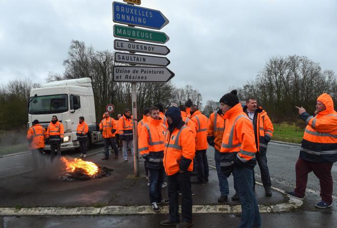 Blocus des salariés de l'usine Saint-Saulve, le 31 janvier.