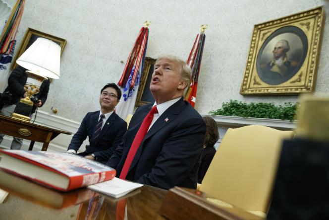 Donald Trump évoque devant des journalistes sa volonté de publier le mémo critiquant le rôle du FBI dans l'enquête «russe», le 2février.