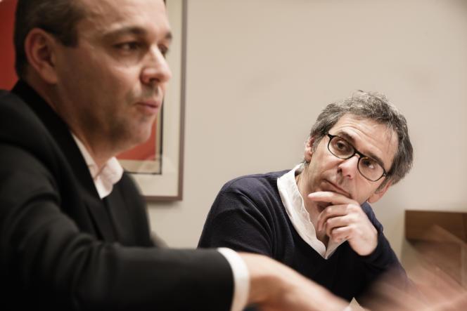 Laurent Berger (à gauche) et Gilles Finchelstein, dans les locaux de la CFDT, à Paris, le 1er février.