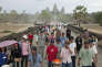 La foule des touristes devant le temple d'Angkor Vat, au Cambodge.