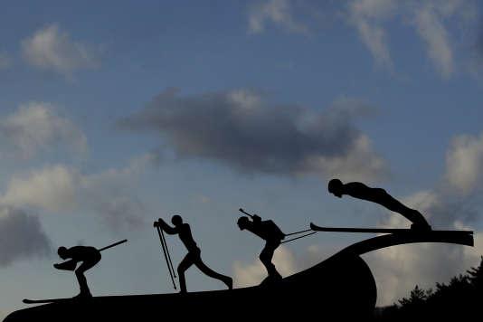 Une sculpture représentant des athlètes des JO d'hiver à Pyeongchang, en Corée du Sud, le 2 février.