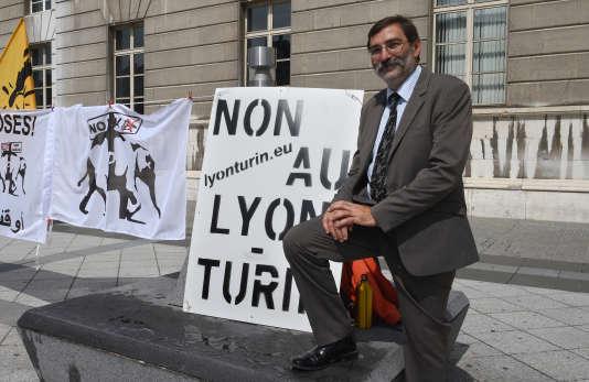 Daniel Ibanez, porte-parole historique de l'opposition à la ligne ferroviaire Lyon-Turin, à Chambéry (Savoie), en juillet 2014.