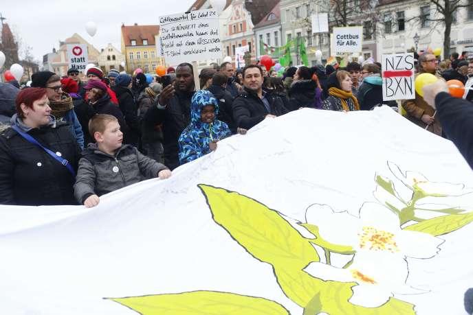 Manifestation contre les discriminations envers les réfugiés, à Cottbus (Allemagne), le 3 février.