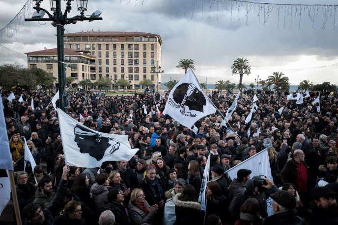 Manifestation organisée à la demande du président du conseil exécutif de Corse et du président de l'Assemblée de Corse, le 3 février à Ajaccio.