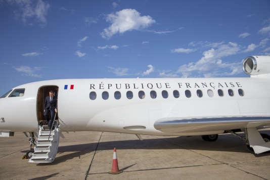 Emmanuel Macron a également disserté sur la«solitude»et la«fin de l'innocence»que sa«charge»impliquait.