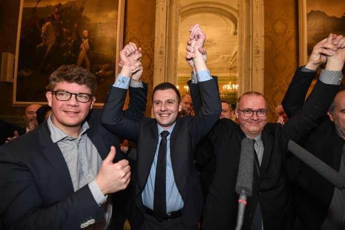 Ian Boucard (au centre) avec le sénateur LR Cédric Perrin (à gauche) et le maire de Belfort, Damien Meslot (à droite), le 4 février 2018.