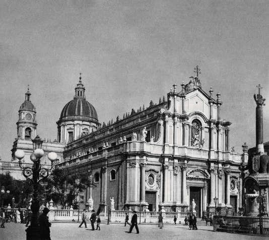 La cathédrale en 1927.