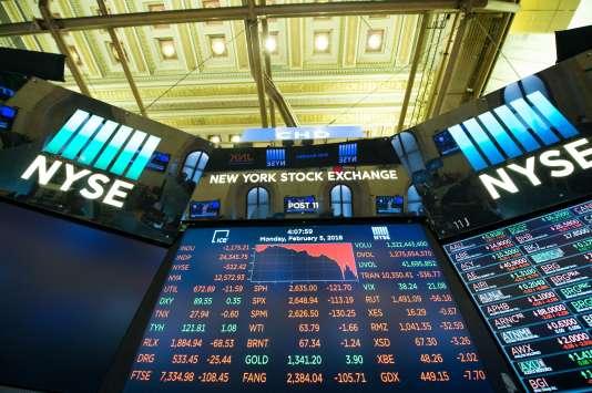 «Si les marchés financiers ont réagi à l'initiative d'Amazon-JPMorgan-Berkshire Hathaway, c'est parce qu'ils se souviennent qu'Amazon, pour s'imposer dans la distribution, a longtemps fait primer la part de marché sur les profits, quitte à perdre de l'argent.» (Le New York Stock Exchange, le 5 février).