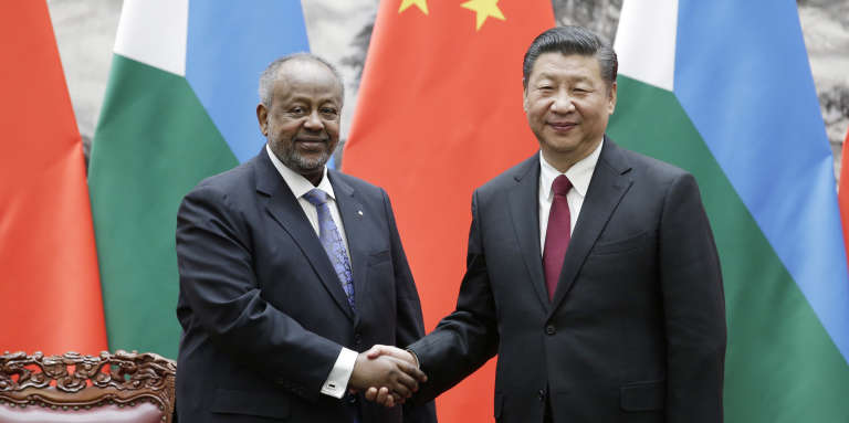 Djibouti President Ismail Omar Guelleh (left) and Chinese President Xi Jinping, Beijing, November 23, 2017.