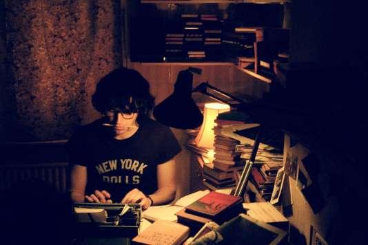 Morissey (Jack Lowden), un jeune homme timide dans « England Is Mine », de Mark Gill.