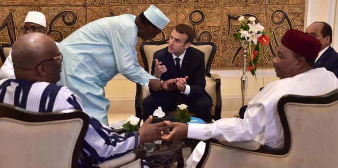 Le président français, Emmanuel Macron, avec ses homologues malien, burkinabé, tchadien, nigérien et mauritanien, lors du sommet du G5 Sahel, à Bamako, le 2juillet 2017.