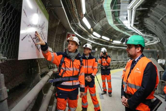 Sébastien Lecornu (à droite), secrétaire d'Etat auprès du ministre de la transition écologique, visite le laboratoire souterrain de Bure, dans la Meuse, le 29 janvier.
