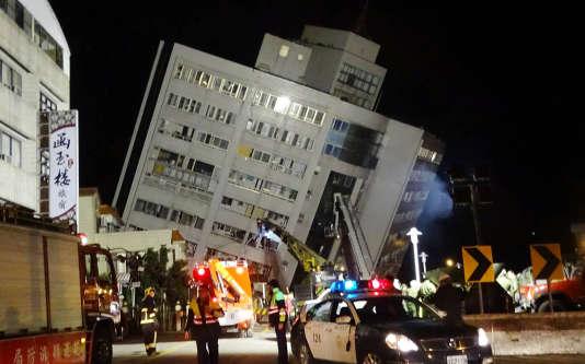 Les secours déployés à Hualien.