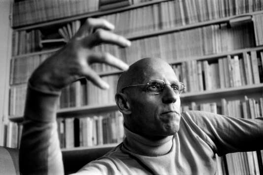 Le philosophe Michel Foucault (1926-1984), en 1977.