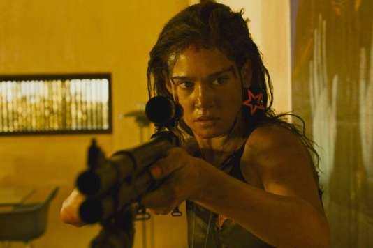 Matilda Lutz dans« Revenge», de Coralie Fargeat.