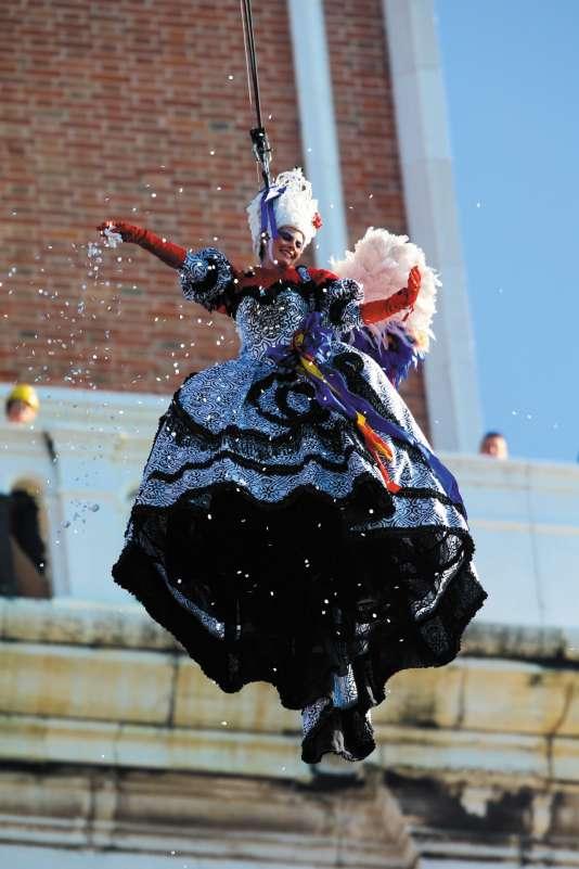 Le « vol de l'Ange » a ouvert les festivités du carnaval de Venise, le 4 février.