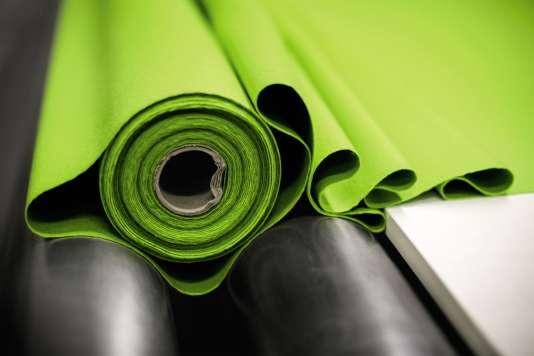 Chaque année, trois millionsde mètres de tissu transitent par l'entrepôtdu fabricant Kvadrat.