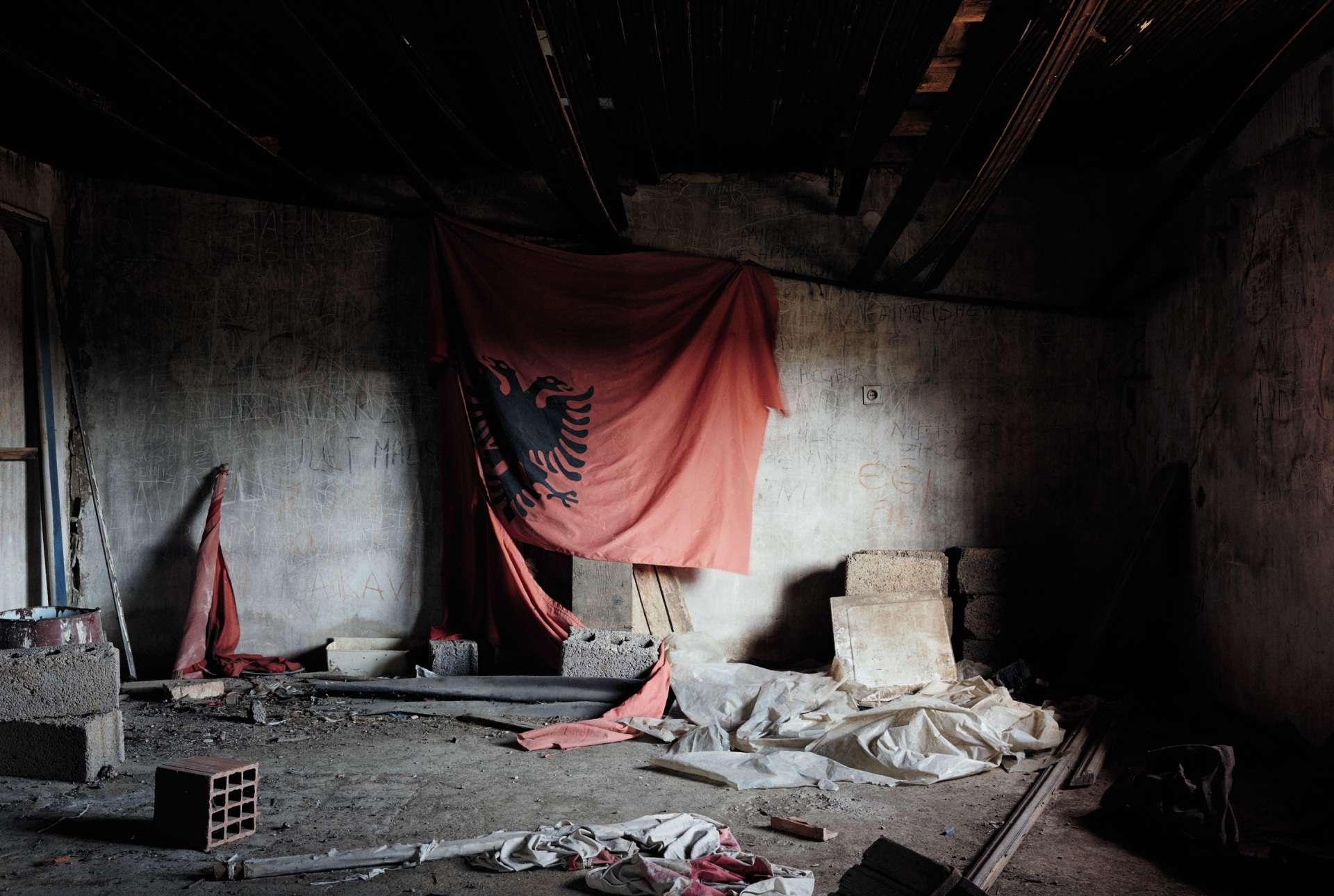 A Prekaz, près de Skenderaj,la maison d'Adem Jashari,où il fut tuéen 1998 par l'armée serbe.